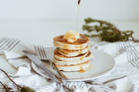The fluffiest pancakes! (Vegan + low-waste)